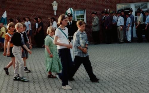 1999 (7)